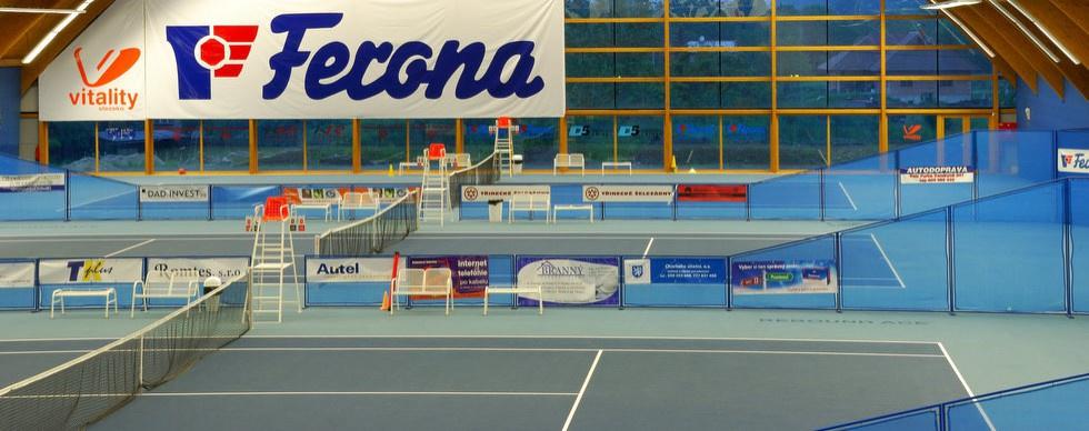Vnitřní tenisové dvorce
